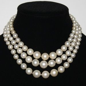 Vintage pearl three strand necklace 15 inches